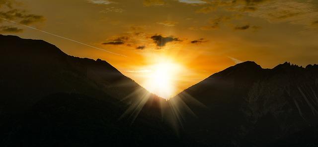 sunrise-795311_640